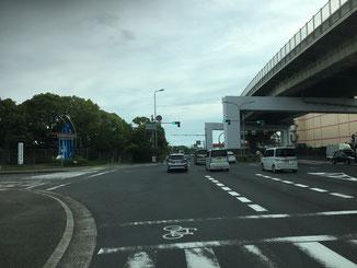 松之浜西交差点を左折