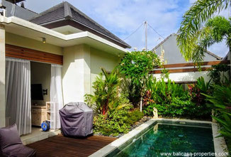 Seminyak villa with 2 bedrooms for sale in the Mertanadi area