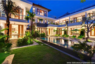 Canggu 6 bedroom rental villa close to Echobeach.