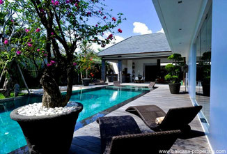 Seminyak sophisticated 3 bedroom villa for rent.