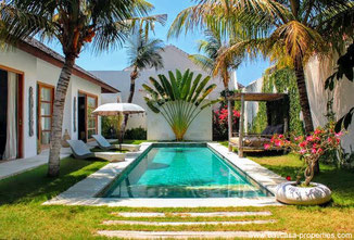 Sanur elegant modern partly open villa with an extra long lease period.