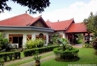 Tabanan villa for sale surrounded by jungle