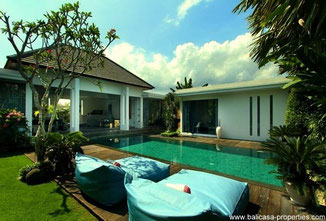 Seminyak comfortable 3 bedroom villa for rent.