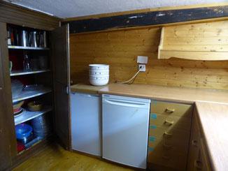 2 Kühlschränke in der Küche