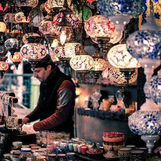 Lampenverkäufer in Marokko