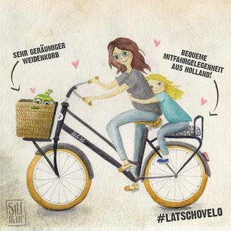 Mutter und Tochter machen eine Fahrradtour auf dem Hollandrad