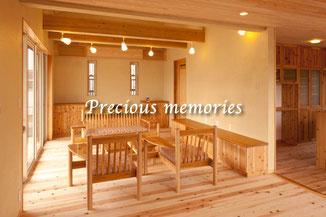 岐阜県美濃加茂市の建築工事写真です。木造住宅のリビングルーム内観写真です。