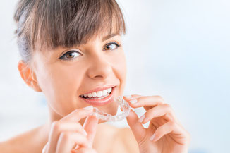 Modern orthodontic techniques e.g. the invisible appliances by Invisalign® allow a completely inconspicious treatment for adults