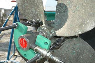 Причины поломок гребного вала на лодочном моторе