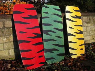 rotes, grünes und gelbes Balancebrett