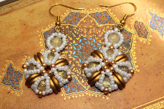 Perlen-Ohrringe Tara by Kinari Handmade Jewllery