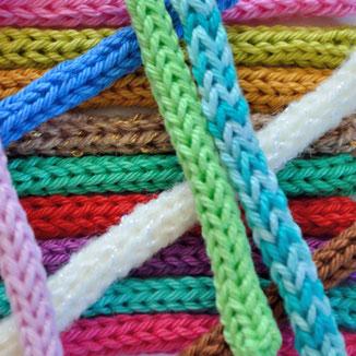 Décorations cadeaux tricotin personnalisé