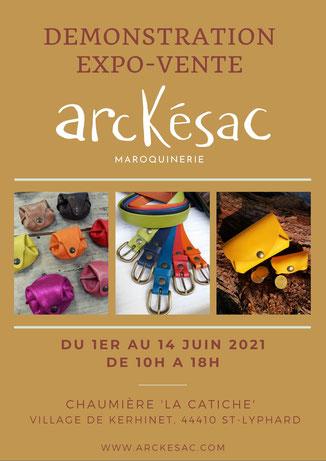 Arckésac maroquinerie expose à Kerhinet. maroquinerie artisanale fabriquée en France, à St-Lyphard en Brière. Fabrication de besace en cuir, de sacoche en cuir, de porte-monnaie en cuir, de ceinture en cuir