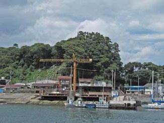 神奈川県・真鶴漁港のクレーン