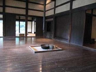 川崎市・日本民家園の古民家の居間