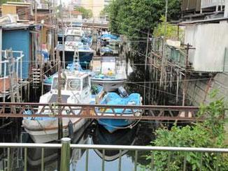 東京都品川区・東品川の運河の周辺と船