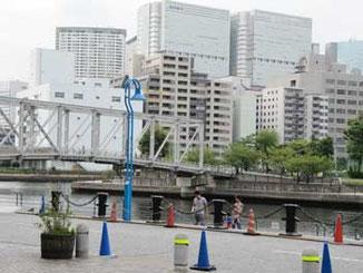 東京都・天王洲から見た「ふれあい橋」とその界隈