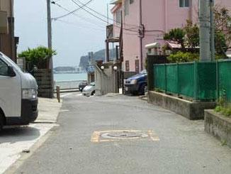 藤沢市・海岸通りから江ノ島ヨットハーバー遠望