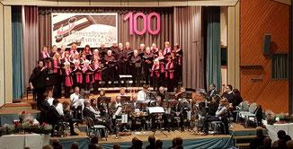 Die Sängerfreunde bedanken sich für die Mitwirkung des Posaunenchors Leerstetten, der das Publikum mit ihren musikalischen Darbietungen begeisterte.