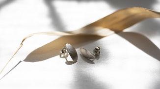 ovale Silberohrstecker Blattform