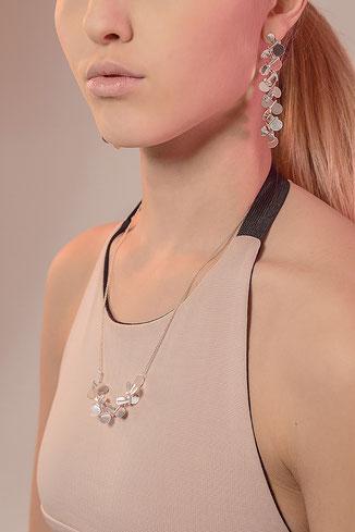 Edle Silberkette und Ohrringe