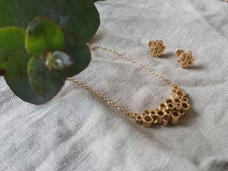 Goldene geometrische Halskette