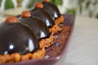 croustillant rose des sables, ganache chocolat, insert caramel eurre salé