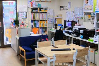 教室内には休憩スペースもあります