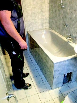 umbau badewanne zur dusche ein bad f r alle anspr che ikz. Black Bedroom Furniture Sets. Home Design Ideas