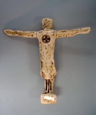 Cristo, imitación marfil tallado, para presentación de unas vitrinas de museo.