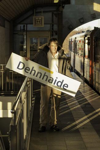 42 Minuten Hamburg, Ringlinie, U3, Hochbahn, Sebastian Schubert, Dehnhaide, Objektkünstler, Atelier, Von-Essen-Straße, Capristube, Barmbek-Süd,  Schubertskulpturen