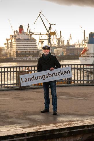 42 Minuten Hamburg, Ringlinie, U3, Hochbahn, Torsten Hansow, Landungsbrücken, Barkasse Tanja, Hafenrundfahrt, Blohm + Voss, Dock Elbe 17,
