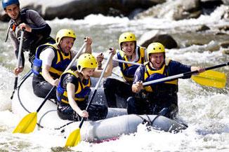 Team Event auf dem Rhein oder Main: Rafting
