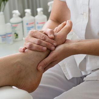 Individuelle Fusspflege, kosmetische Fusspflege, Massage, Heim und Spitalservice