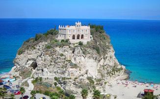 Felsenkirche Santa Maria dell'Isola Tropea © Ferienwohnung Spilinga | Tropea | Kalabrien - Casa Belle Vacanze