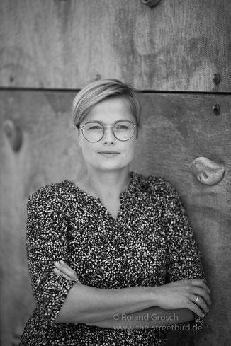 Portrait Fotoshooting für Bewerbung oder Social Media Profile vom Fotograf Hanau - Hochzeitsfotograf Hanau