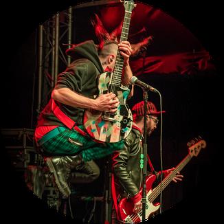 Livefoto von Skassapunka, die beim Sommer am Lindenhain gespielt haben