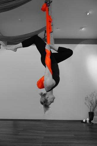 Caprice Ennulat Aerial Yoga Wiesbaden