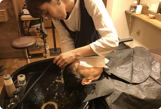 ハーブシャンプーでシャンプー|ヘアサロン528【hairsalon528】茅ヶ崎にある髪と地肌に優しいオーガニックヘナカラーの専門店