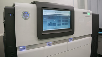 PacBio Sequencing Machine · Foto→ Kenneth Rodrigues