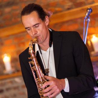 Rüdiger Scheipner für eine perfekte Saxophon-Solo-Performance