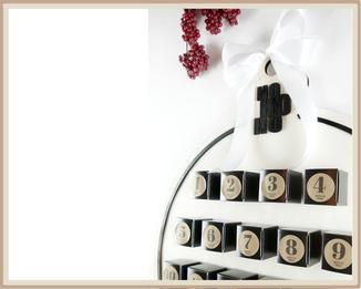 Adventskalender in Weihnachtskugel-Form, Holzplatte, mit Lasercut personalisierbar und Schachteln selbst zu Befüllen