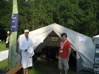 """Auch bei dem städtischen Kinderfest """"Luftsprünge"""" arbeitet der Stadtjugendring aktiv mit: Christian König (rechts) und Frederik Boog"""