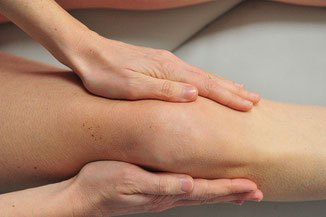 Foto: Nazareth / Lymphdrainage am Knie