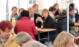 Schlachtefrühstück am Wahlsonntag im Rahmen des Teichfestes 2013