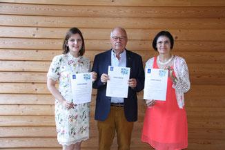 Foto: (Bürgerstiftung/Hiereth): Der Vorstand der Bürgerstiftung freut sich über die hohe Auszeichnung.
