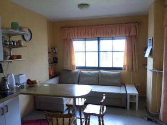 Wohnbereich - Blick vom Küchenbereich