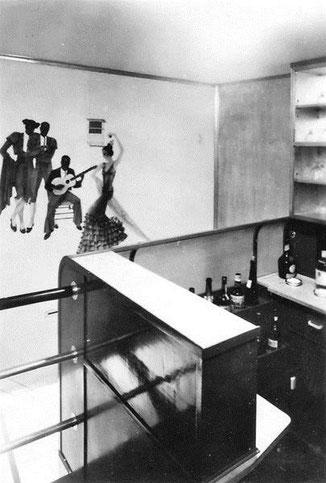 Bild: Ein Teil der Bar in der Hindenburg.