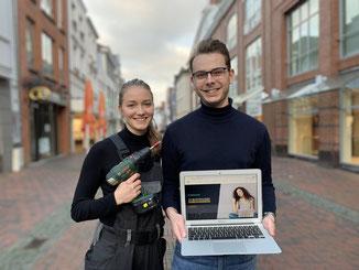 Die ehrenamtlichen Organisatoren der Ausbildungsmesse: Vivienne Hoffmann (21) und Niels Kohlhaase (21) - Foto: JU