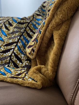 Plaid doux et coloré fait main en textiles africains